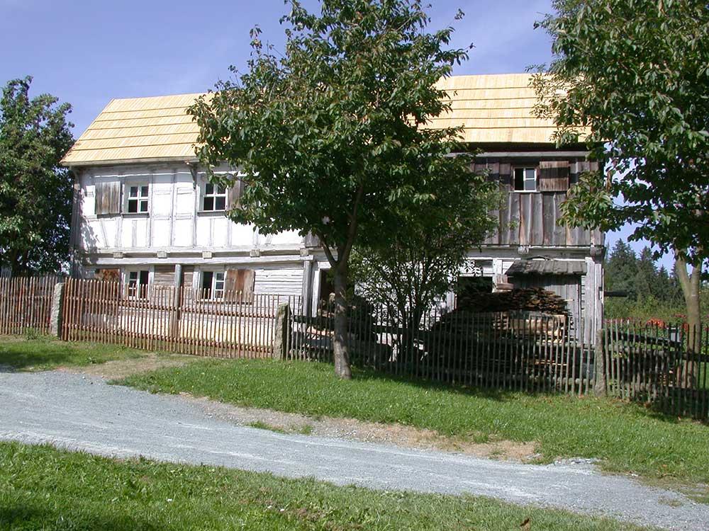 Haus aus Saalenstein
